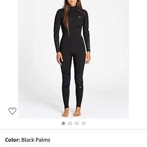 4/3 Women's size 8 Furnace wetsuit. ONLY WORN ONCE